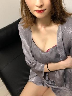 8/21デビュー宮沢かすみ