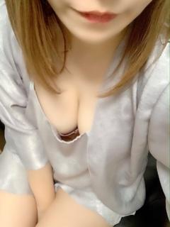 2/13デビュー村崎しおん