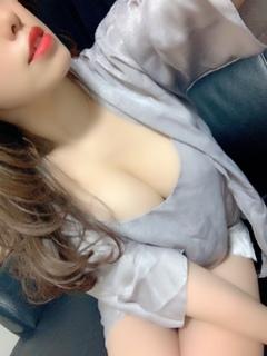 2/26デビュー綾野ひな